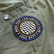 Kurtka-ALPHA-INDUSTRIES-MA-1-TT-PATCH-oliwkowa-01e