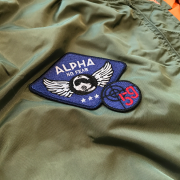 Kurtka-ALPHA-INDUSTRIES-MA-1-TT-PATCH-oliwkowa-01f